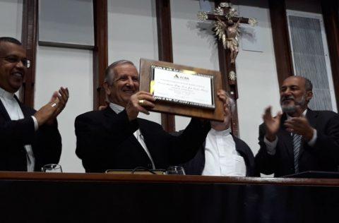 Dom Petrini recebe título de cidadão baiano