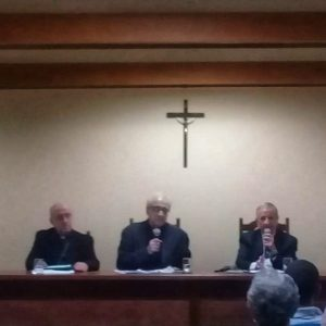 "Debate promovido pelo Instutito da Familia abordou o tema "" O Papa e a familia na atualidade"