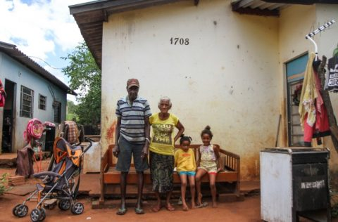 Famílias e Pobreza Relacional: O Primeiro Relatório da Family International Monitor